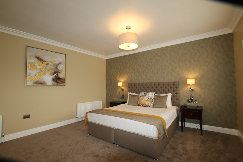 Classic Lakeview Room at Crover House - Cavan Hotel